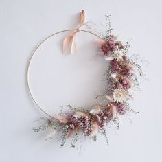 Ideas for everyone disposing of dried flowers Joli Place # the ., Ideas for everyone disposing of dried flowers Joli Place # the Diy Wedding Flowers, Flower Bouquet Wedding, Diy Flowers, Flower Decorations, Paper Flowers, Wedding Ideas, Bridal Flowers, Dried Flower Wreaths, Dried Flower Bouquet