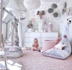 Girl's room inspiration in pink, gray and white? How do you like it? The round velvet cushion in gray, the Miffy lamp and of course many … Mädchenzimmer Inspiration in rosa, grau und weiß 💕 Wie gefällt's Euch? Das runde Samtkissen in grau, die Miffy Lamp