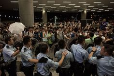 10 dramatic photos that show the protests and crackdown in Hong Kong