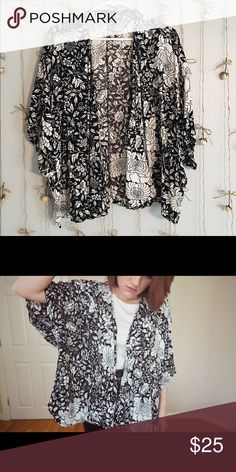 H&M Black and White Floral Kimono Adorable lightweight boho kimono only worn once! Make me an offer ☺ H&M Sweaters Shrugs & Ponchos