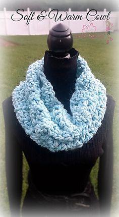 Soft & Warm Cowl - free crochet pattern for super chunky yarn by Davina…