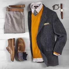 #mensclothes #mensclothing #mensfashion #mensoutfits Designer menswear is gaining more and more popularity with time and soon men will catch up with women both on the runway and on the streets. Designers have found a new market in mens clothes and they are maximizing as much as they can on it. Mens clothes are no longer just plain and uninteresting as they had been before. They come in a wider variety of colours and styles which make them more appealing. Thankfully mens fashion trends are here Komplette Outfits, Cool Outfits, Casual Outfits, Men Casual, Fashion Outfits, Fashion Trends, Sharp Dressed Man, Well Dressed Men, Dresscode Business