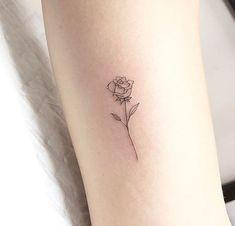 Tatouage tatoo rose – tattoos for women meaningful Tatoo Rose, Simple Rose Tattoo, Tiny Rose Tattoos, Rose Tattoo Forearm, White Rose Tattoos, Tiny Tattoos For Girls, Dainty Tattoos, Tattoos For Women Small, Tattoos For Guys