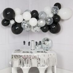 Balloon Garlands - Balloon Arches and Balloon Clouds - Balloons UK Bubblegum Balloons, Clear Balloons, Mini Balloons, Confetti Balloons, Birthday Balloons, Silver Party Decorations, New Years Eve Decorations, Birthday Party Decorations, Balloon Decorations