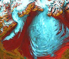 Glaciar Malaspina, este glaciar masivo es el más grande en Alaska (1 de agosto de 2000) FOTO: NASA