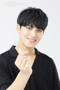 Wonwoo, Woozi, Jeonghan, Seventeen Album, Mingyu Seventeen, Hip Hop, Kim Min Gyu, Solo Photo, Adore U