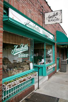 """Amighetti's Bakery located in St. Louis Mo. in an Italian Neighborhood known as """"THE HILL"""" that my Family grew up in. As a mater of fact this was my Pops street. """"ON THE HILL"""""""