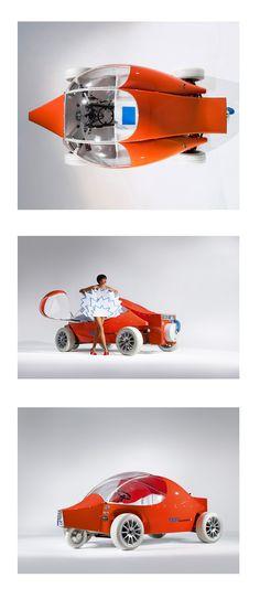 """La 17.71 La voiture 100% électrique. """"Aujourd'hui le seul cahier des charges recevable c'est de changer d'énergie et de respecter notre planète"""" Coqueline Courrèges / The 100% Electric Car. """"Today the only conceivable blueprint for the future requires us to change our energy sources and respect our planet."""" Coqueline Courrèges #Courreges #Design #Voiture #Car"""