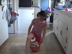 Niña de 8 años y su habilidad de Drible con un balón de Baloncesto - YouTube