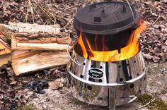 ペトロマックス「アタゴ」特集!ダッチオーブンや中華鍋など、プロ級の味にしてくれる本格調理が楽しめるアタゴ。もちろん手軽なバーベキューや湯沸し、焚き火台としても使えます。一台で火まわりを担うその万能ぶりと、一緒に使いたいアイテムをチェック!