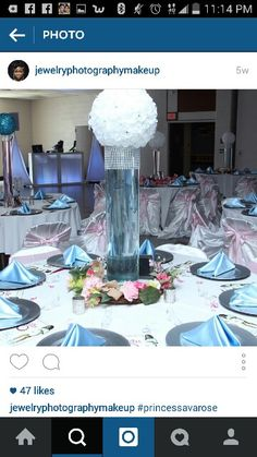 This centerpiece in mint green