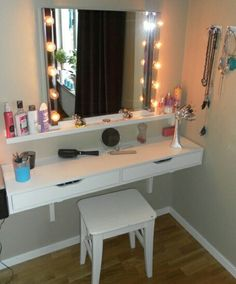 Extra shelf s Room Ideas Bedroom, Small Room Bedroom, Bedroom Decor, Small Bedroom Hacks, Budget Bedroom, Vanity Room, Vanity Decor, Diy Vanity, Glam Room