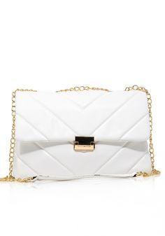 Τσάντα ώμουMiss Pinky μεγάλη καπιτονέ με μεταλλικά στοιχεία. Ητσάνταείναι από καπιτονέυλικό. Είναι η νέαtrendy τσάντα Shoulder Bag, Womens Fashion, Bags, Handbags, Shoulder Bags, Women's Fashion, Woman Fashion, Bag, Totes