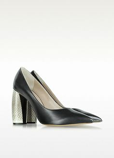 Marc Jacobs Black Leather and Snakeskin Pump