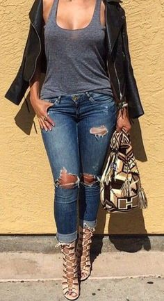 You wanna see more ? Follow me on Pinterest: @theylovecyn_ you won't regret it #denim #dress #fashion #trend #jeans #barbasandzacari