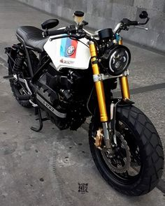 This beautiful bike! 😍😍😍 This beautiful bike! Bmw K100 Scrambler, 125cc Motorbike, K100 Bmw, Bobber Motorcycle, Bmw Motorcycles, Bike Bmw, Cafe Bike, Cafe Racer Bikes, Honda Cb750