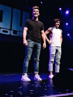 am i the only one who thinks when they're wearing jeans they look 10000x hotter