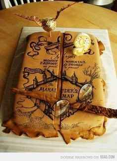 Harry Potter Marauder's Map cake- I solemnly swear that I am up to no good. i am probably more obsessed with Harry Potter than I should be Harry Potter Fiesta, Gateau Harry Potter, Harry Potter Thema, Cumpleaños Harry Potter, Harry Potter Birthday Cake, Harry Potter Marauders Map, The Marauders, Harry Potter Theme Cake, Harry Potter Cupcakes