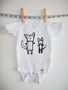 Body Body pour bébé fille ou garçon, sérigraphiés avec mon original chien et le chat de dessin.    Onesie est 100 % coton et très doux. Parfait
