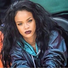 Image shared by LiveLoveLaugh. Find images and videos about makeup, rihanna and eyebrows on We Heart It - the app to get lost in what you love. Estilo Rihanna, Mode Rihanna, Rihanna Style, Rihanna Fenty, Rihanna Baby, Rihanna Fashion, Bad Gal, Celebs, Celebrities