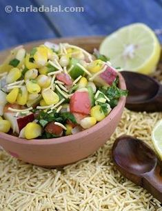 A healthy version of bhel especially made for kids. This is a great opportunity to add extra vegetables and fruits to your little one's diet.