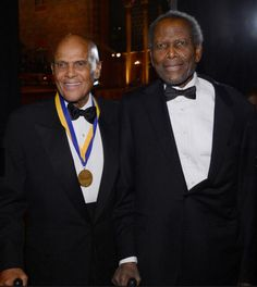 Harry Belafonte, Sidney Poitier, at the NAACP Image Awards, 2013 Strong Black Man, Black Men, African American Actors, American Art, Black Actors, Black Celebrities, Celebs, Harry Belafonte, Famous Men