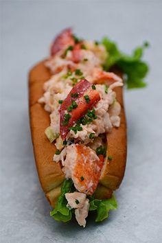 The 19 Best Lobster Rolls — Food Porn, Much? #refinery29  http://www.refinery29.com/best-lobster-rolls#slide-5  Cull