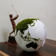 Are you ready to score...? ------------------------- This handcarved woodenglobe from reclaimed teakroot is a perfect golf gift for anyone who love golf