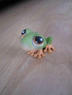 Littlest Pet Shop Red Eye Tree Frog