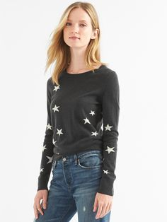 Gap Womens Merino Star Crewneck Sweater - Charcoal M Womens Fashion For Work, Latest Fashion For Women, Gap Outfits, Cold Weather Outfits, Gap Dress, Women's Fashion Dresses, Street Style Women, Capsule Wardrobe, Dress To Impress
