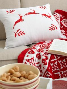 ** Christmas Pic only. Love the Nordic style blanket and pillow **