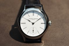 http://professionalwatches.com/2015/12/laurent-ferrier-galet-micro-rotor-platinum-limited-edition-hand-on.html