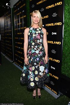 Claire Danes stuns in eccentric print dress with Rupert Friend at Homeland screening | Daily Mail Online