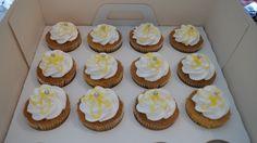 lemon meringue cupcakes Cupcake Cakes, Cupcakes, Meringue, Muffin, Lemon, Breakfast, Desserts, Van, Food