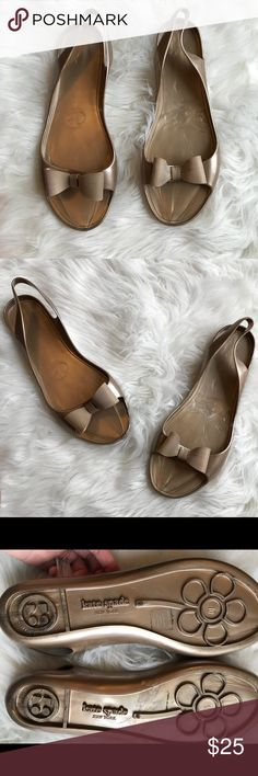 Kate Spade Jelly Bow Sandals Size 10 Tan Preowned Kate Spade Women's Tan Bow Jelly Sandals. Size 10. Preowned With Normal Wear No Flaws. Please let me know if you have any additional questions and I will get back to you ASAP. Follow my store new items are added daily. kate spade Shoes Sandals