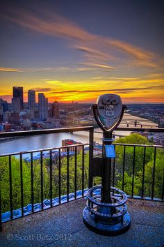 Mount Washington - Sunrise - Overlook Pittsburgh, PA Put this on my list of places to go (realistically) Mount Washington Pittsburgh, Pittsburgh City, Oh The Places You'll Go, Places To Visit, Vacation Spots, Sunrise, Ocean Photography, Photography Tips, Portrait Photography