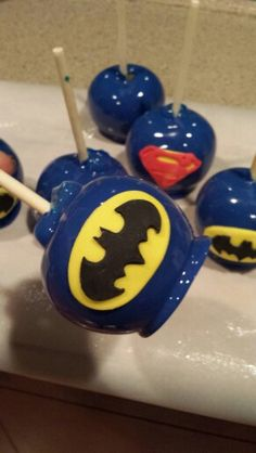 Superman & Batman Candy Apples - For all your cake decorating supplies, please visit craftcompany.co.uk