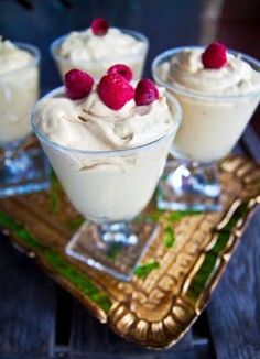 Lakritsfromage med limemarinerade hallon Mousse, Desserts In A Glass, New Years Eve Food, Pudding Desserts, Sugar And Spice, Desert Recipes, Creative Food, Food Inspiration, Lchf