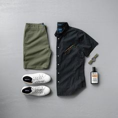 Men's Summer Fashion & Grooming Products Source by mycreativelook fashion casual Mens Casual Dress Outfits, Stylish Mens Outfits, Outfit Grid, Style Casual, Men Casual, Herren Outfit, Mens Clothing Styles, Mens Fashion, Gothic Fashion