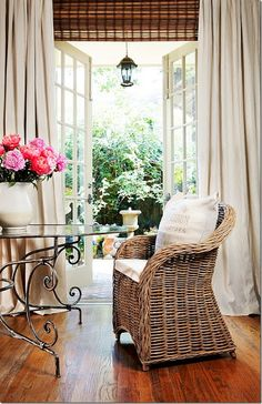 Joni Webb's Houston Look - A House Romance