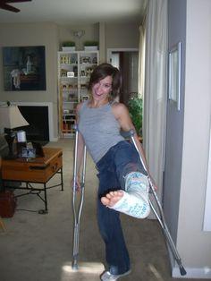 Karate, Leg Cast, Martial Arts Women, Crutches, Short Legs, Home Appliances, Art Women, House Appliances, Crutch