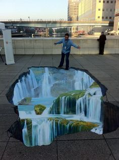 Street art Street Art Pavement art and Illusions by Kurt Wenner pavement art by Manfred Stader 3d Street Art, Amazing Street Art, Street Art Graffiti, Amazing Art, Chalk Artist, 3d Chalk Art, 3d Sidewalk Art, Pavement Art, Street Painting