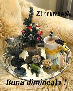 Coffee Love, Coffee Cups, Chocolate, Christmas And New Year, Happy Day, Tea Time, Good Morning, Food And Drink, Table Decorations