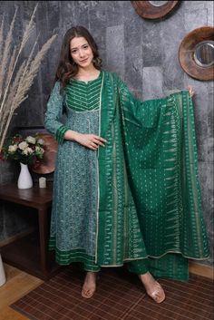 Anarkali Kurti, Pakistani Salwar Kameez, Kurti Collection, Stylish Dresses, Fashion Dresses, Palazzo, Types Of Sleeves, Casual Wear, Women Wear