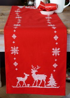 X Christmas Deers loper - voorgedrukt borduurpakket - Vervaco Table Runners, Christmas Crafts, Cross Stitch, Embroidery, Holiday Decor, Home Decor, Cross Stitch Embroidery, Scrappy Quilts, Punto De Cruz