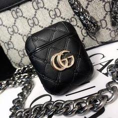 Cute Ipod Cases, Iphone Cases, Chanel Phone Case, Cute Friendship Bracelets, Accessoires Iphone, Accesorios Casual, Earphone Case, Airpod Case, Gucci Fashion