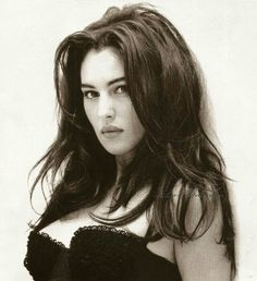 """""""I knew that Monica Bellucci is beautiful, but I still wasn't prepared to what awaited me. Monica Bellucci is not just beautiful. She is a dazzling beauty. Her beauty is not of those classical angelic once that are portrayed by Raphael, I don't get. Malena Monica Bellucci, Monica Bellucci Young, Monica Bellucci Photo, Bond Girls, Estilo Megan Fox, Isabelle Adjani, Lady, Italian Actress, Italian Beauty"""