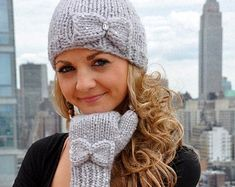"""I like the mittens! Ravelry: """"Snow Princess"""" Sequin Hat and Mitten Set with Bow Detail and iPhone Compatibility pattern by Lauren Riker Knit Mittens, Knitted Hats, Princess Hat, Knit Crochet, Crochet Hats, Bandeau, Hipsters, Sweater Weather, Cute Fashion"""