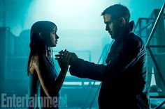 Ryan Gosling on Blade Runner Harrison Ford, and meat cones — Entertainment Weekly Blade Runner Poster, Film Blade Runner, Blade Runner 2049, Harrison Ford, Entertainment Weekly, Games Like Mystic Messenger, Dusty Blue, Pick Up, Ryan Gosling Blade Runner