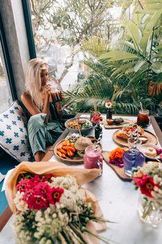 Ultimate Foodie Guide to Bali — Elsa's Wholesome Life Clean Eating Breakfast, Breakfast Time, Health Breakfast, Breakfast Ideas, Vegan Options, Healthy Options, Lauren Bullen, Elsa, Vegan Carrot Cakes